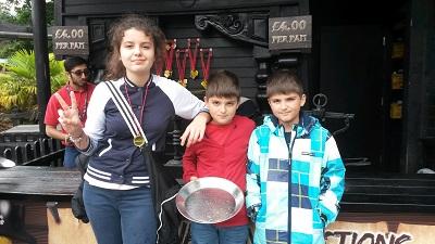 златотърсачи с медали в legoland